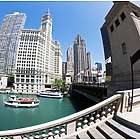 Chicago RiverWalk Scenic Tour