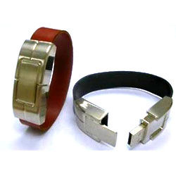 1GB Leather Bracelet USB Flash Drive