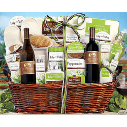 Cliffside Wine and Spa Collection Gift Basket