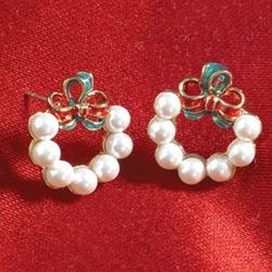 Red and Green Bows Faux Pearl Wreath Earrings