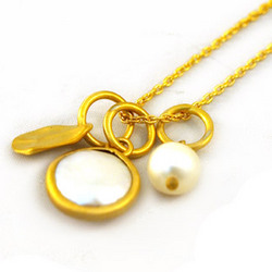 Madison Pearl Gold Pendant Necklace