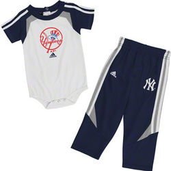 New York Yankees Newborn Creeper and Pants