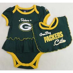 Newborn's Green Bay Packers Ruffled Bodysuit and Bib