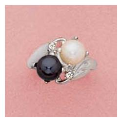 Pearl and Caviar Ring
