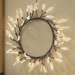 Lighted Willow Leaves Wreath