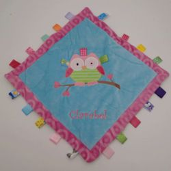 Oodles Owl Personalized Cozy Taggies Blanket