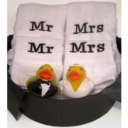 Mr. & Mrs. Handtowel Set with Mr. & Mrs. Rubber Ducks