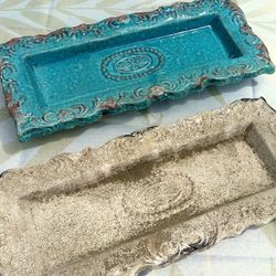 Embossed Ceramic Hosting Tray