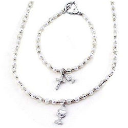 Pearl and Crystal Necklace and Bracelet Set