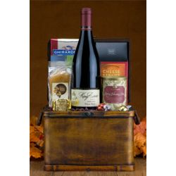 Pinot Noir Wine Chest Gift