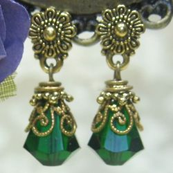 Emerald Green Petite Drop Earrings