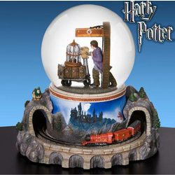Mini Of San Francisco >> Harry Potter™ Hogwarts Express Musical Water Globe - FindGift.com