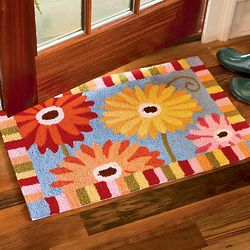 Gerber Daisies Hand Hooked Machine Washable Rug