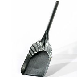 Bridger Fireplace Shovel