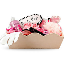 Pamper Me Women's Gift Basket
