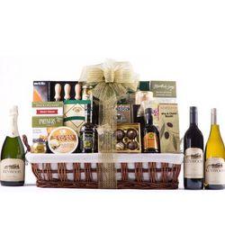 Bountiful Vineyard Gift Basket