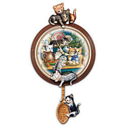 Kitchen Capers Cat Art Decorative Wall Clock