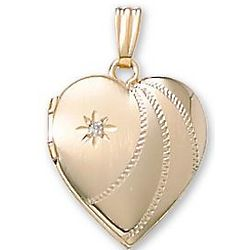 One Point Diamond Heart Yellow Gold Locket