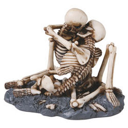Love Never Dies Skeleton Statue