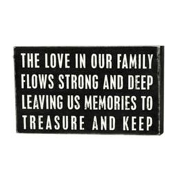 Family Love Box Sign