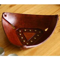 Triangular Essence Leather Centerpiece