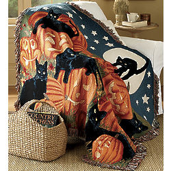Black Cats and Pumpkins Throw Blanket