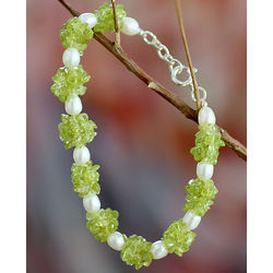 Marshmallow Pearl and Lime Peridot Beaded Bracelet