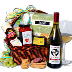 Ravenswood White Wine Gift Basket™