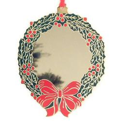 Engravable Enamel and Gold Wreath Ornament