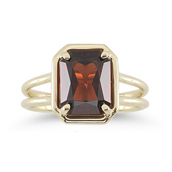 Garnet Solitaire Ring in 14K Yellow Gold