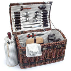 Couture Picnic Basket for 4