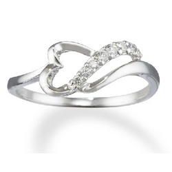 14k White Gold Abstract Diamond Heart Promise Ring