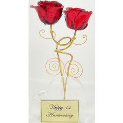 Intertwined Gold Trimmed Roses with Heart Vase