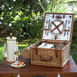 Cheshire Picnic Basket for 2 with Picnic Blanket