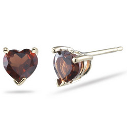 Garnet 5mm Heart Stud Earrings in 14K Yellow Gold