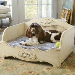 Wooden Eloise Pet Bed