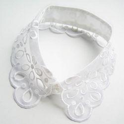 White Romantic Floral Lace Collar Necklace