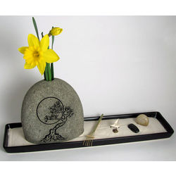 The Artist Ceramic Sand Garden with Outline Moon Rock Vase