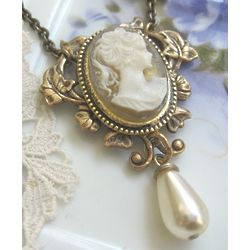 Bridal Elegance Cameo Necklace