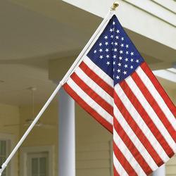 Tangle-Free Flagpole