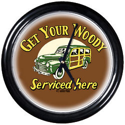 Woody Round Clock