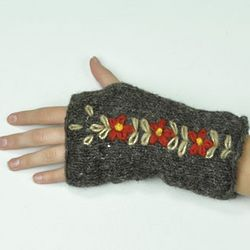 Wool Floral Fingerless Mittens