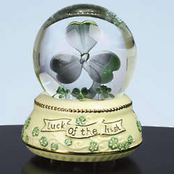 Shamrock Lighted Music Box