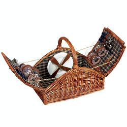Willow Picnic Basket with Service for 4