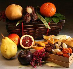 Good Tidings Fruit and Chocolate Gift Basket