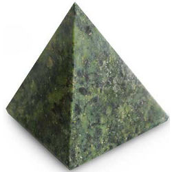 Nature Mystique Nephrite Pyramid