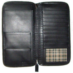 Calf Leather Zippered Traveler Wallet