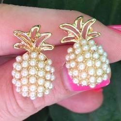 Pineapple Pop Pearl Earrings in Gold