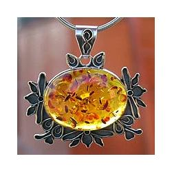 Summer Poetry Amber Pendant Necklace