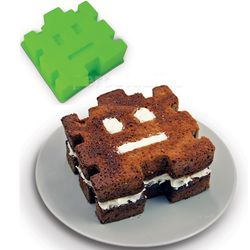 Retro Arcade Cake Mold